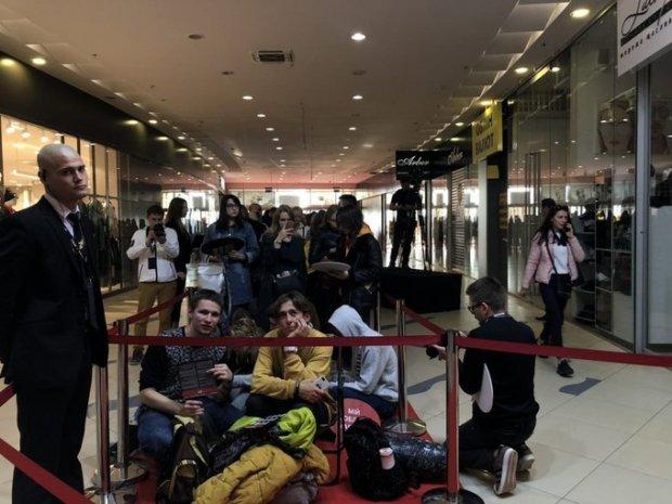 В Киеве состоялось долгожданное открытие нового магазина H&M: опубликованы яркие фото и видео (1)
