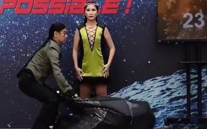 Фокусница поставила необычный мировой рекорд: появилось впечатляющее видео
