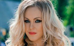 Украинская певица в новом клипе стала грабительницей: появилось видео
