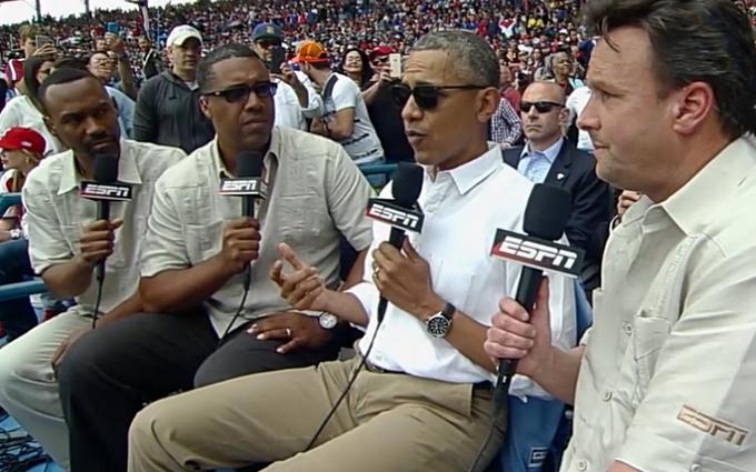 Обаму увидели в очках за $485: опубликовано видео