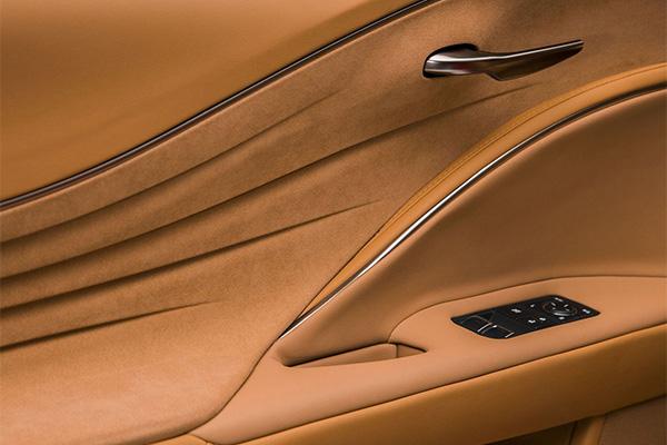 Компанія Lexus представила серійний спорткар LC500 (11 фото) (10)