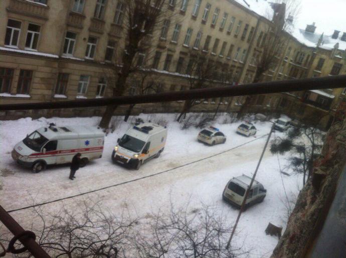 Во Львове прогремел взрыв гранаты: появились фото и видео (1)