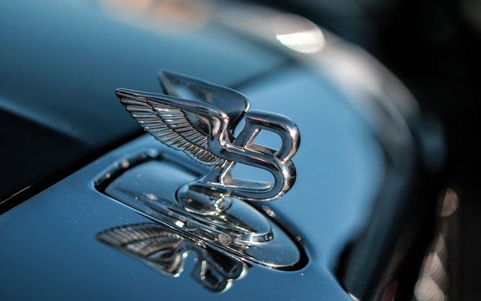 Bentley представила найдорожчу автівку у своїй історії - її варто побачити