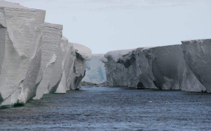 """Звуки Землі: опубліковано аудіо моторошних """"розмов"""" шельфових льодовиків в Антарктиді"""