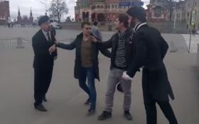 Під стінами Кремля Пушкін побився з Леніним: опубліковано веселе відео