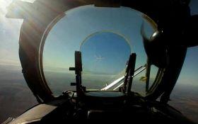 Вертоліт ЗСУ збив російський безпілотник на Донбасі: опубліковано видовищне відео