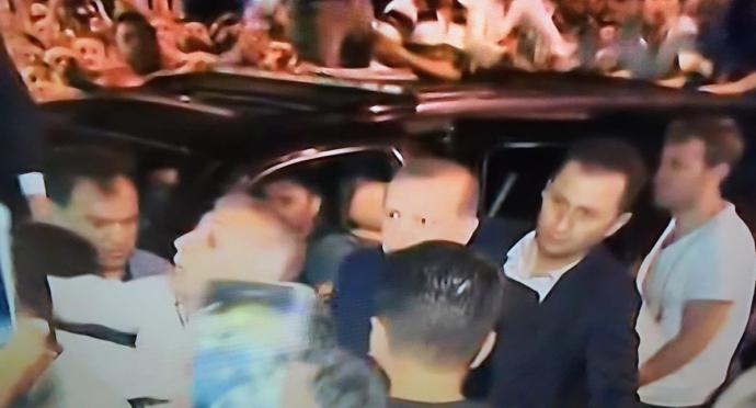Провальний військовий переворот в Туреччині: хроніка подій, подробиці, найяскравіші фото та відео (11)