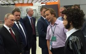 Робот-Пушкин рассказал Путину несмешную электронную шутку: появилось видео
