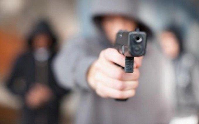 Вцентре столицы Украины неизвестный выстрелил виностранца— милиция