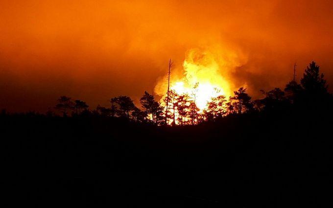 В России взорвался газопровод: появилось видео пожара с 20-этажный дом