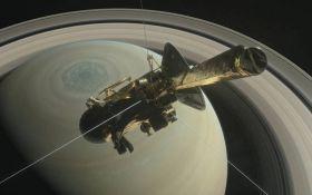 Зонд Cassini 22 рази пролетить між кільцями Сатурна