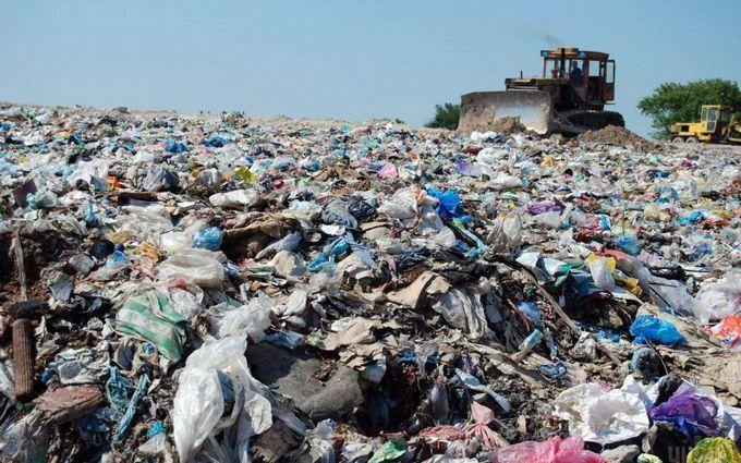 У Кабміні ухвалили тимчасове рішення по львівському сміттю