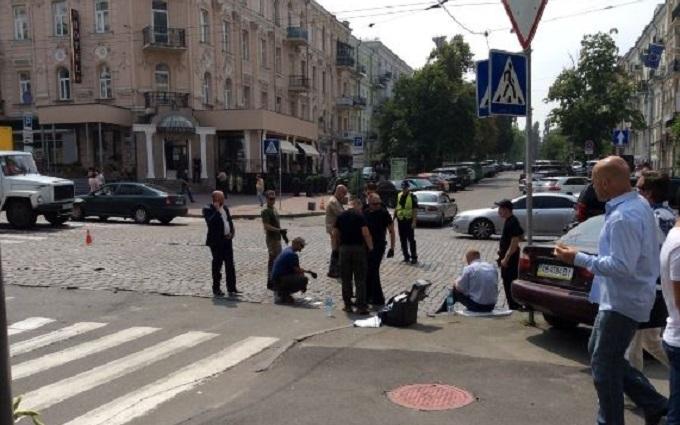 """На місці загибелі Шеремета помітили """"неукраїнських"""" експертів: з'явилися фото"""