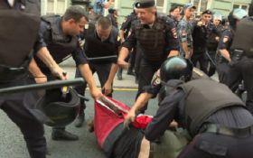 ЄС вперше відреагував на масові затримання в Росії