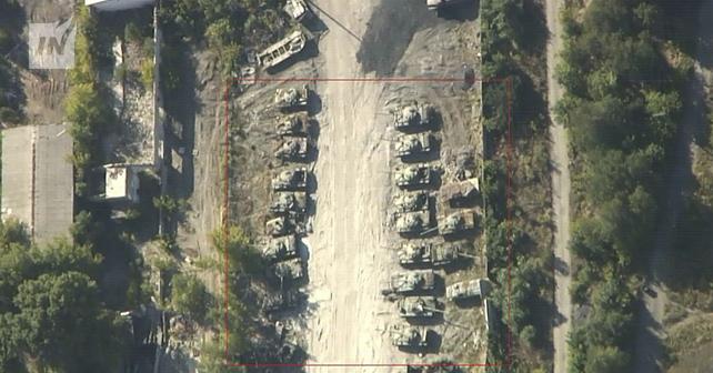 Нові танки з військторгу Путіна помічені на Донбасі: з'явилися фото (2)