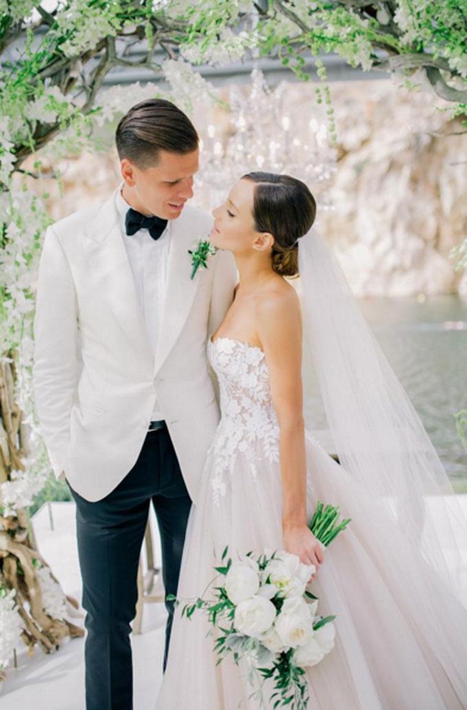 Голкіпер збірної Польщі одружився з українською красунею: опубліковані фото (1)