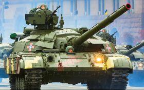 Порошенко розповів потужну історію про війну та нагородив танкістів