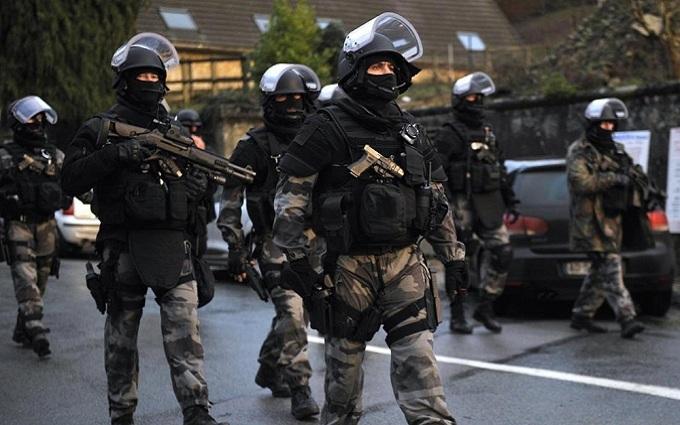 У центрі Брюсселя прогриміла серія вибухів: з'явилося відео