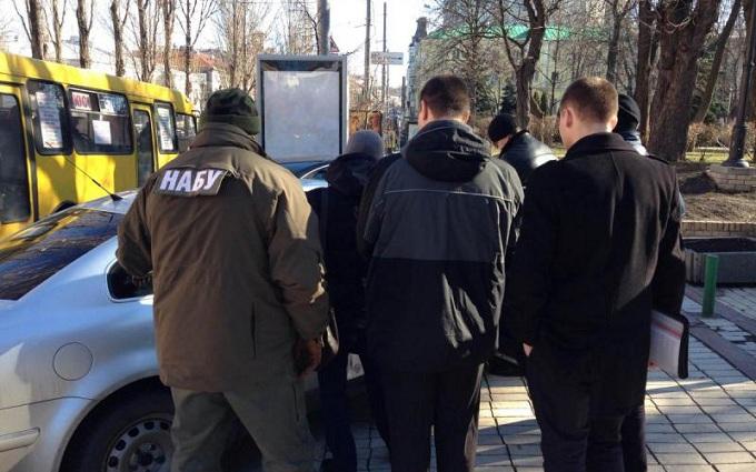 НАБУ поймало прокурора на даче взятки: опубликовано видео