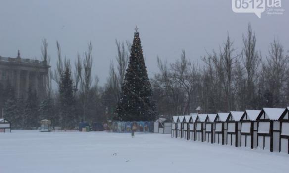 Закрытые аэропорты и занесенные трассы: Украина пережидает непогоду, появились фото (5)