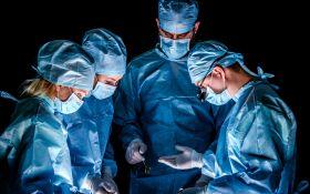 Медики провели першу в світі унікальну операцію з пересадки статевих органів