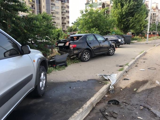 В Одессе водитель влетел в 7 припаркованных автомобилей: опубликованы фото (1)
