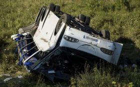 В Угорщині перекинувся автобус з українцями: в ДТП постраждали 14 осіб