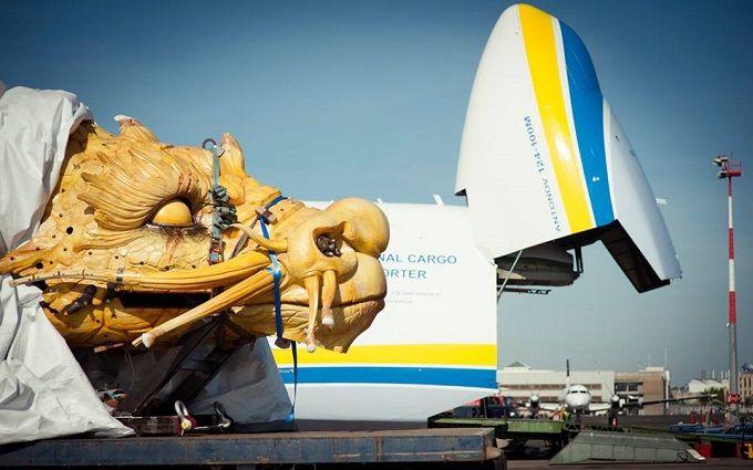 """Український літак """"перетворився"""" на дракона: з'явилися яскраві фото"""