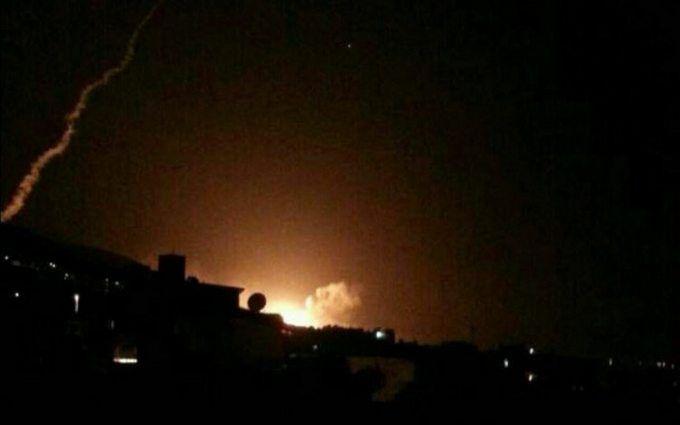 США, Франция и Великобритания нанесли мощный удар по Сирии: подробности и видео
