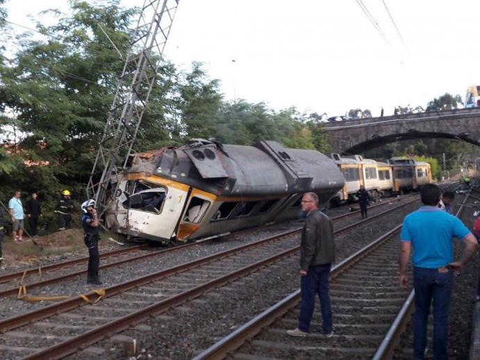 Трагедія з пасажирським поїздом шокувала Іспанію: опубліковані відео та фото (1)