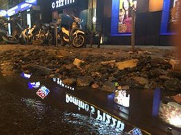 Центр Киева снова затопил ливень: появились жуткие фото и видео потопа (7)