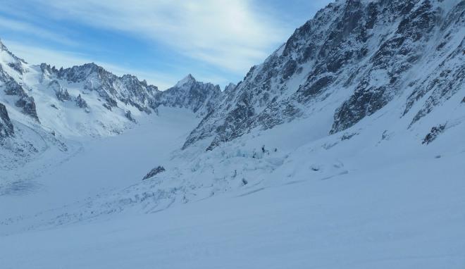 Первая смертоносная снежная лавина обрушилась в Альпах (1)