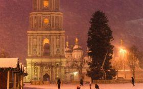 Больше не лысая: в сети появились новые фото главной елки Украины