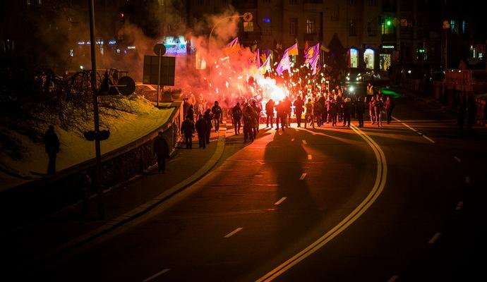 В Киеве и Харькове прошли факельные шествия в память о Героях Крут