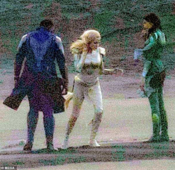 Опубліковані перші фото Анджеліни Джолі з нового фільму Marvel - мережа у захваті (1)