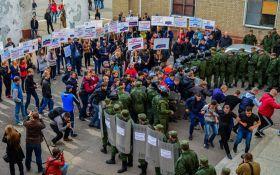 У бойовиків ДНР знову вчаться відбиватися від миротворців: з'явилися фото