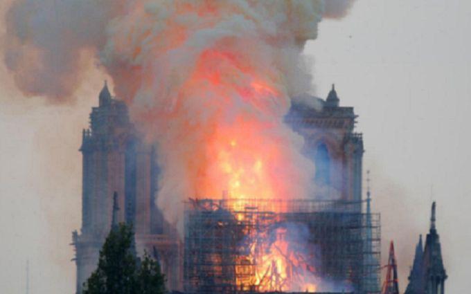 Пожежа в Нотр-Дамі через Зеленського: пані посол Франції розізлилися через жарт відомого політолога
