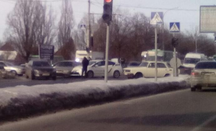 В Харькове авто полиции угодило в досадное ДТП: появилось фото (1)