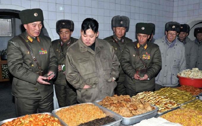 Власти КНДР предупредили граждан о переходе на суровую диету