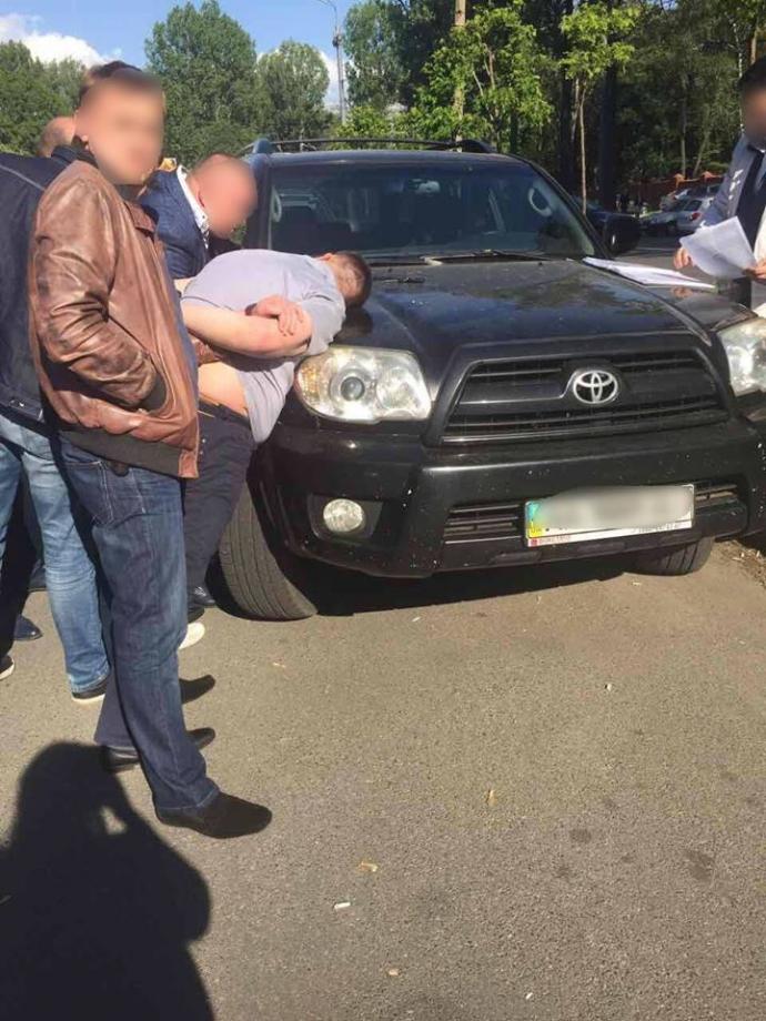 На Сумщині затримали працівника НАБУ за хабар у $150 тисяч: з'явилися фото (1)