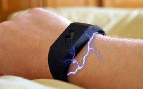 Сеть поразил браслет, который бьет током при мысли о вредной пище