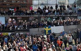 """У Стокгольмі пройшла """"маніфестація любові"""" в пам'ять про жертв теракту: опубліковані фото"""