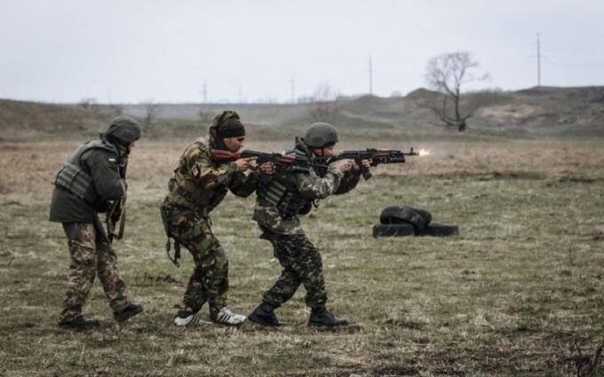У Мар'їнці бойовики пішли в атаку на позиції сил АТО: з'явилися подробиці
