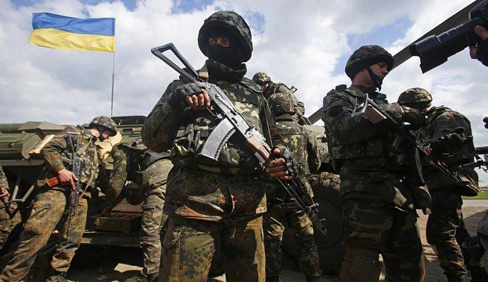 Демобилизованных солдат должны заменить контрактники - Порошенко
