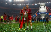 """Как Португалию """"короновали"""" на Евро-2016: видео церемонии награждения"""
