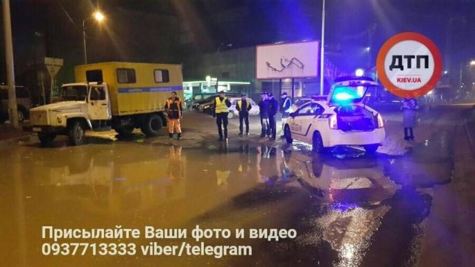 В Киеве ночью произошел потоп: опубликованы фото (2)