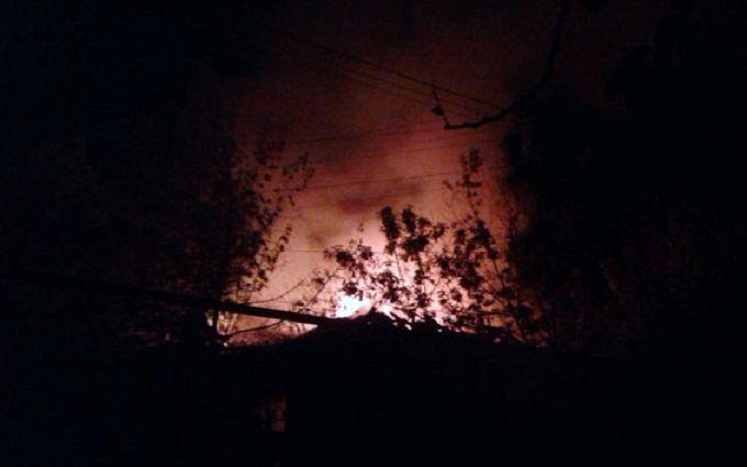 Бойовики ДНР атакували мирну Мар'їнку: опубліковані фото і відео