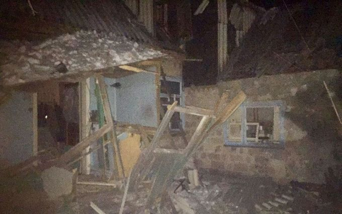 ВАвдеевке снаряд боевиков попал вдом многодетной семьи