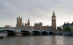 У Великій Британії перед достроковими виборами розпустили парламент