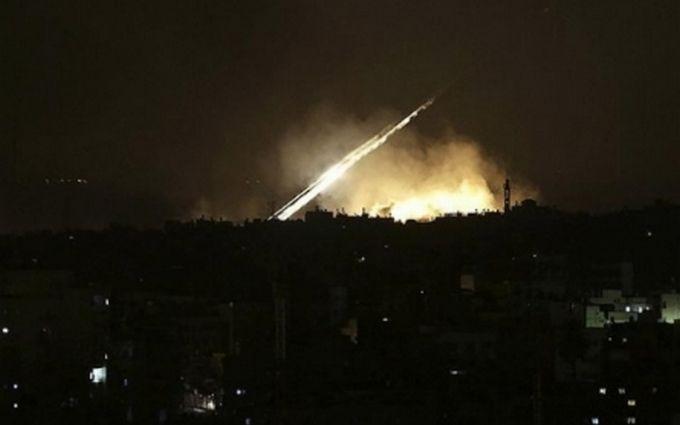 По посольству США в Іраку потужно вдарили ракетами - що відбувається